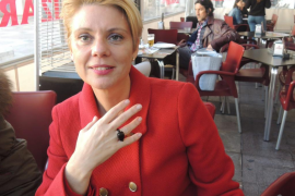 Aina Aguiló presenta su candidatura para liderar el PP de Palma