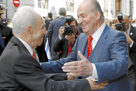Don Juan Carlos ve «legítimas» las aspiraciones de los pueblos árabes