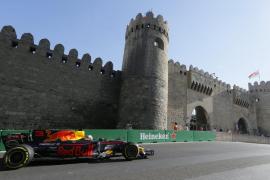 Daniel Ricciardo se impone en un convulso Gran Premio de Azerbaiyán