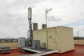 El Ajuntament saca las antenas de telefonía móvil del casco urbano
