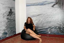 Diana Coca provoca y denuncia la censura y los muros en 'Wheres is Diana?'