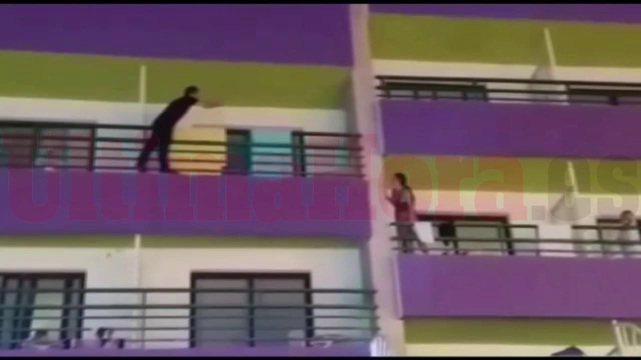 La Guardia Civil 'blinda' Punta Ballena y logra evitar un caso de 'balconing'