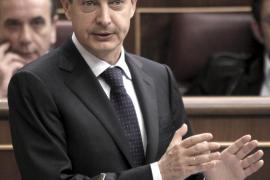Zapatero recurre al 23-F para no responder a Rajoy