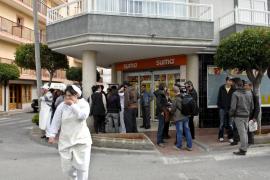 Continúan en la UCI tres de los ocho heridos en el apuñalamiento de Sant Antoni