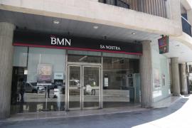 Bankia absorbe BMN por 825 millones