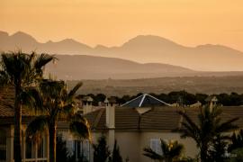 Investigan si la muerte de un jardinero en Málaga se debió a un golpe de calor