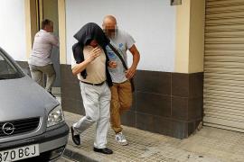 Los padres de Álvaro Gijón quedan en libertad con cargos por razones de salud