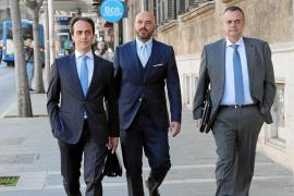 La detención de su familia fuerza la baja de Gijón del PP sin que renuncie a su escaño