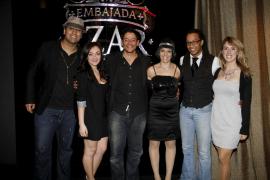 Embajada Azar celebra los concursos 'Demuestra que vales' y 'Chica Pin up'