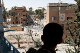 Al menos 30 civiles muertos en un bombardeo contra una localidad controlada por Dáesh en Siria