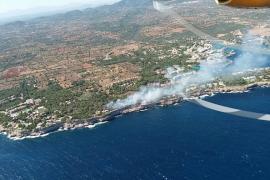 Estabilizado el incendio de Portopetro tras quemar dos hectáreas de pinar