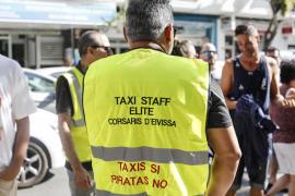 Protesta de Elite Corsaris d'Eivissa contra los taxis piratas (Fotos: Arguiñe Escandón).