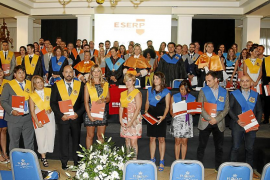 Pere A. Serra recibe la máxima distinción de la escuela ESERP