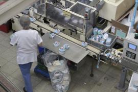 Los trabajadores de la Quesería Menorquina exigen al Govern «más dureza» con Nueva Rumasa
