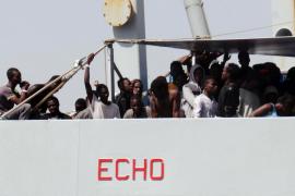 Al menos 60 desaparecidos en naufragio en el Mediterráneo central