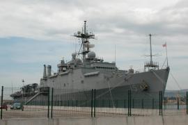 Cazas chinos hacen una advertencia a un buque de guerra de EEUU por aproximarse a unas islas en litigio