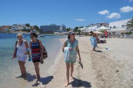 Imagen de la playa de Talamanca tras cuatro días con bandera roja.
