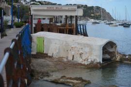 ARCA celebra la retirada de unos hierros en s'Alcova d'en Biel de Son Vic del Port d'Andratx