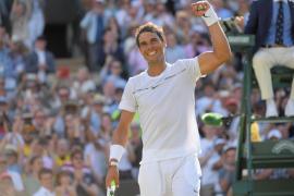 Nadal solventa sin dudas su estreno en Wimbledon