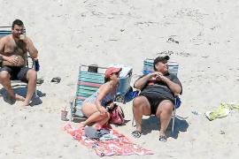 Descubren al gobernador de Nueva Jersey tomando el sol en una playa que mandó clausurar