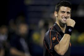 Djokovic vuelve a vencer a Federer y suma su tercer título seguido en Dubai