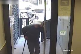 Detenido un ladrón cojo y con bastón por robar en 12 pisos turísticos