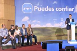 Rajoy propone un máximo de diez consejerías por comunidad autónoma