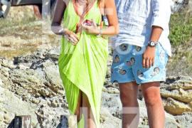Froilán, junto a su novia y sus amigos de vacaciones en Ibiza
