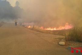 Un incendio en Avinyó se expande sin control