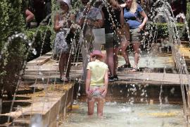 Mallorca y Menorca estarán este jueves en riesgo por altas temperaturas