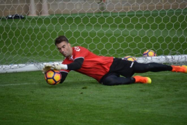 El Real Mallorca ficha al portero Manolo Reina procedente del Nàstic