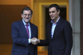 Rajoy y Sánchez acuerdan mantener un contacto permanente sobre Cataluña
