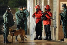 Detenidos cuatro etarras 'legales' con 200 kilos de explosivos en Bilbao