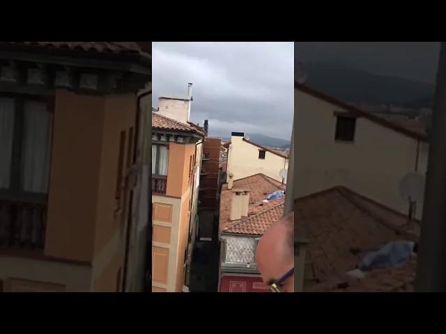 Sorprenden a una pareja en San Fermín practicando sexo en un tejado