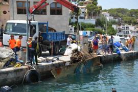 Retiran 3.000 kilos de residuos del fondo marino de Cala Figuera