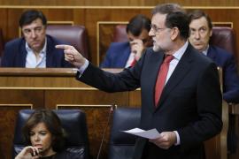 Rajoy acusa a Iglesias de practicar la corrupción de la democracia en Venezuela