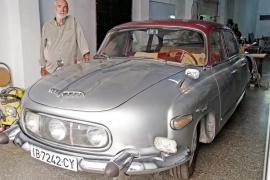 Un coche del Telón de Acero