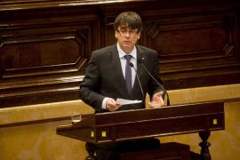Puigdemont concentrará competencias del referéndum en un conseller este mes