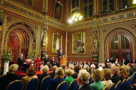 Felipe VI pide en el Parlamento británico «diálogo» para el conflicto de Gibraltar