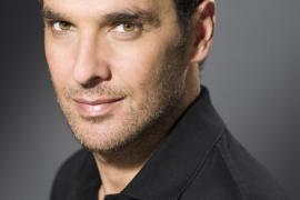 El actor Luis Merlo se recupera favorablemente de una insuficiencia respiratoria