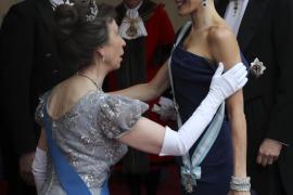 La reina Letizia «deslumbra» en la visita al Reino Unido