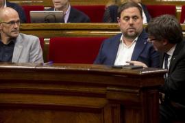 Puigdemont releva a Munté, Jané y Ruiz para encarar la recta final del 1-O