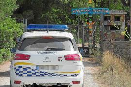 El polvorín de Santa Gertrudis se salta la prohibición municipal y mantiene las actividades