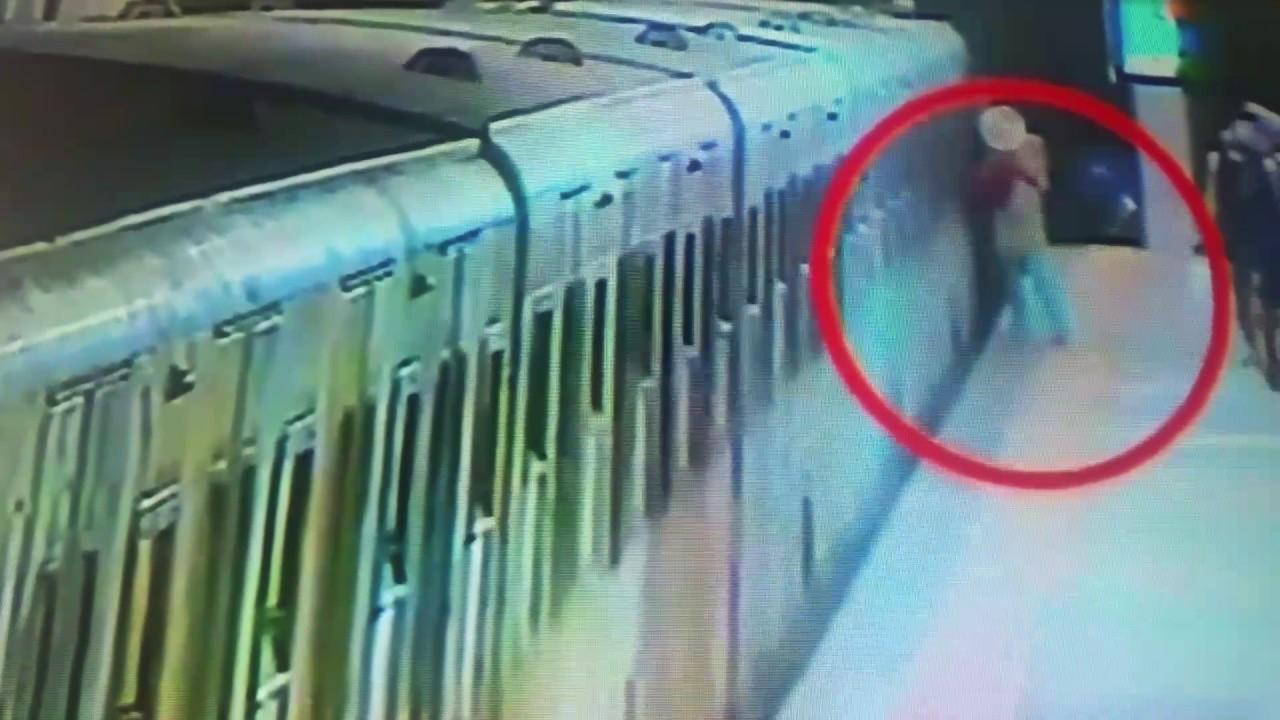 Una mujer, herida grave tras ser arrastrada por un vagón en el Metro de Roma
