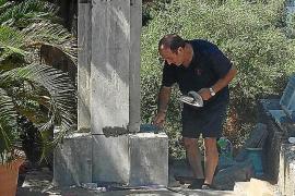 El Ajuntament de Sóller zanja la polémica llevando al cementerio la cruz de los caídos