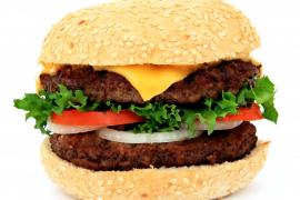 Los españoles dan la espalda a la dieta mediterránea, abusando de la carne