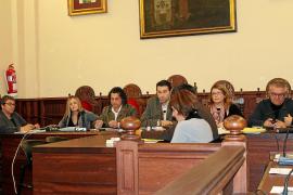El Ajuntament da carpetazo a UM y sus siete regidores forman grupo propio