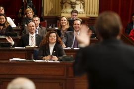 El Parlament indemnizará a los diputados sin empleo que no tengan derecho al paro