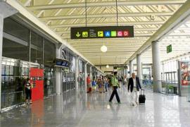 Los aeropuertos baleares prevén unos 730.000 viajeros este fin de semana