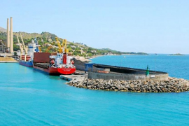 La cementera del puerto de Alcúdia deberá ampliar sus estudios ambientales